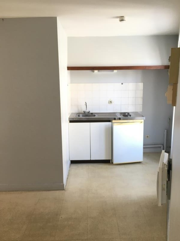 Location appartement Liguge 343€ CC - Photo 3