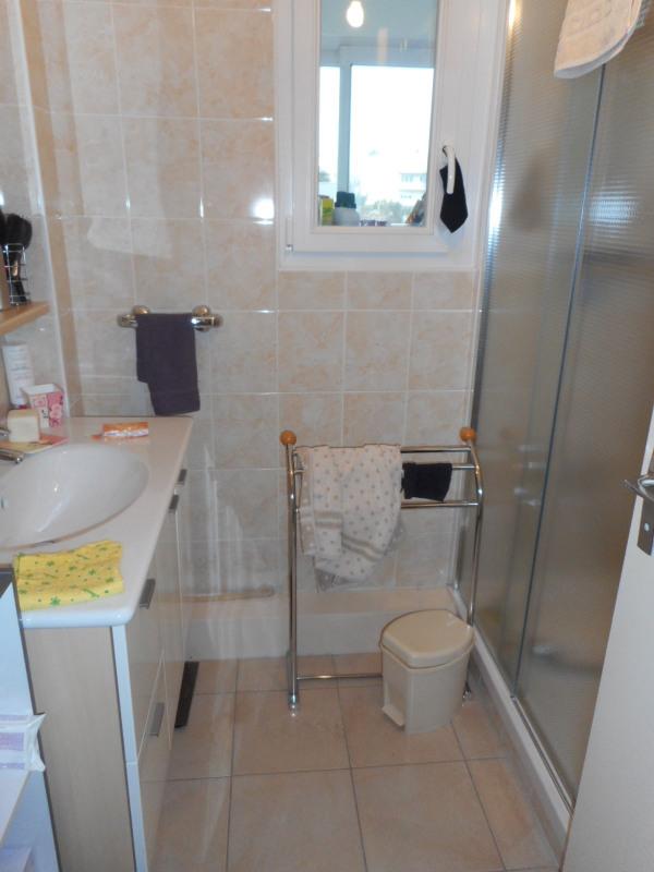 Sale apartment Lons-le-saunier 118000€ - Picture 4