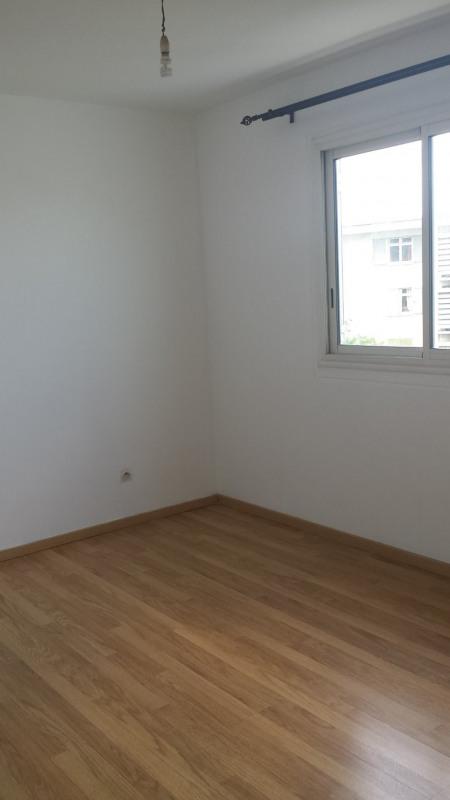 Location appartement St denis 760€ CC - Photo 8