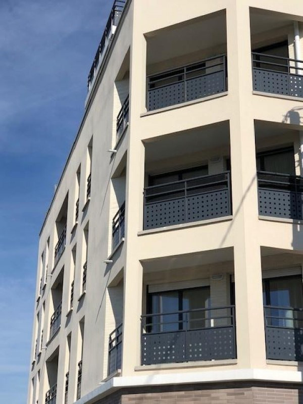 Rental apartment Athis mons 920€ CC - Picture 1