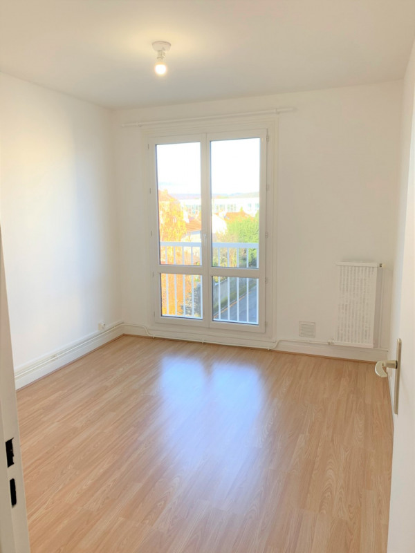 Rental apartment Taverny 707€ CC - Picture 4