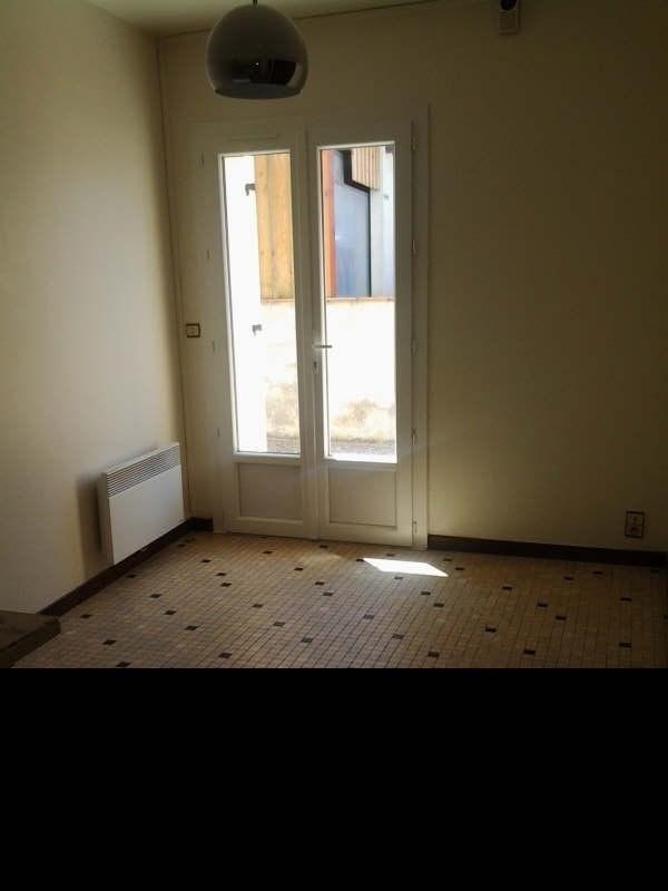 Rental apartment St macaire 380€ CC - Picture 3