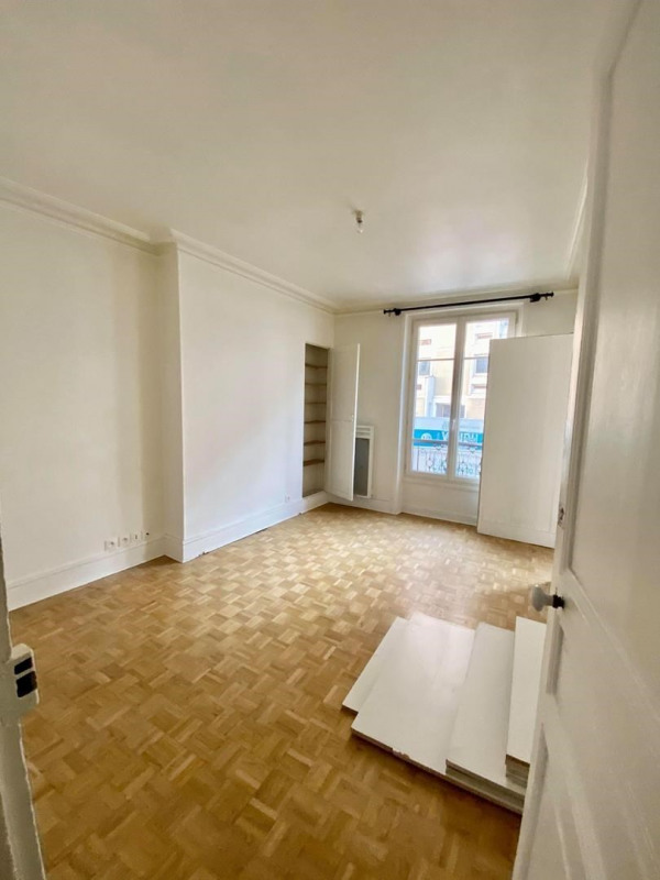 Sale apartment Paris 18ème 525 000€ - Picture 1