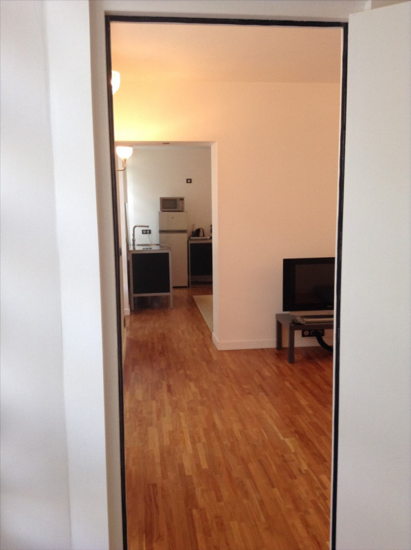 Location appartement Fontainebleau 1 070€ CC - Photo 11