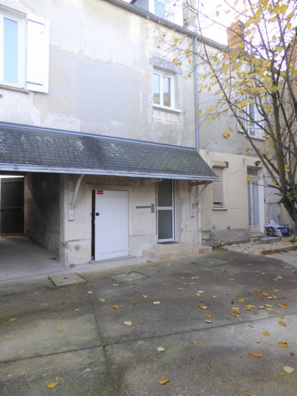 Appartement entièrement rénové type 3 pièces - 56.91 m² - ME