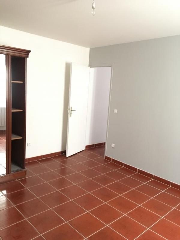 Location appartement Bonnelles 630€ CC - Photo 7