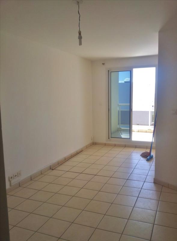 Locação apartamento Saint denis 595€ CC - Fotografia 2