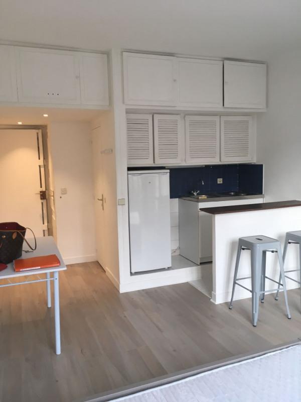Rental apartment Paris 15ème 850€ CC - Picture 5
