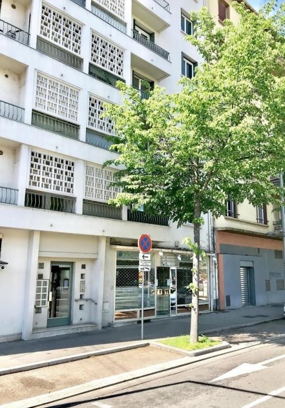 Sale empty room/storage Lyon 8ème 240000€ - Picture 6