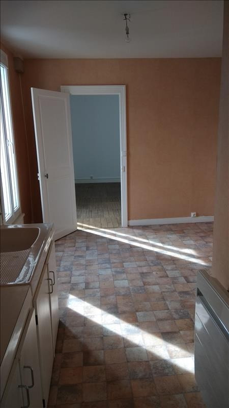 Rental apartment Vendome 290€ CC - Picture 2