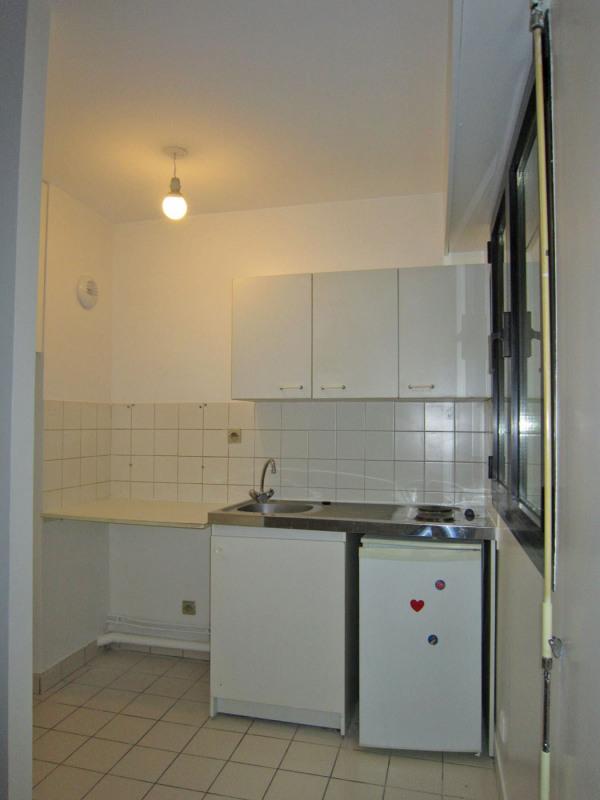 Rental apartment Paris 10ème 744€ CC - Picture 6