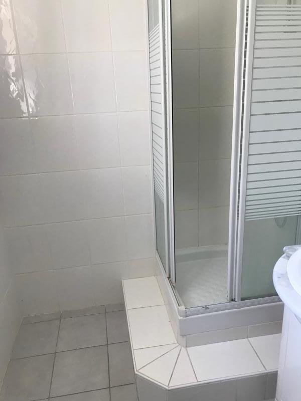 Location appartement Brignais 645€ CC - Photo 3