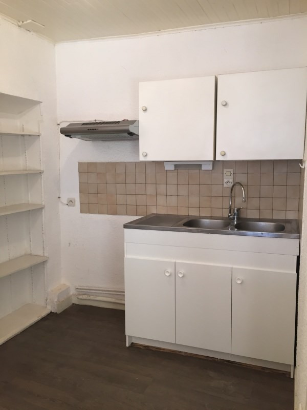 Rental apartment Cremieu 525€ CC - Picture 2