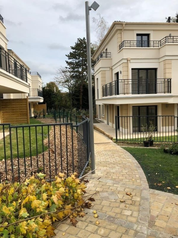 Rental apartment Viroflay 930€ CC - Picture 2