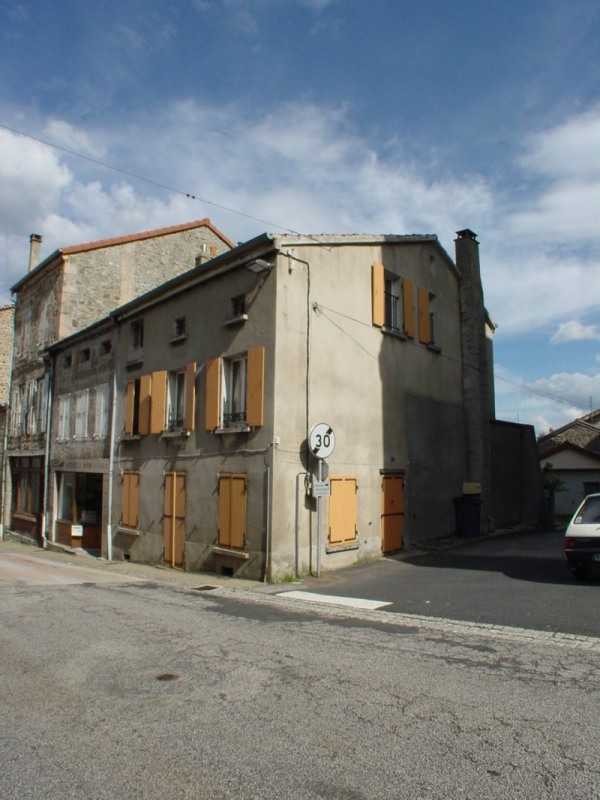 Sale house / villa Montfaucon en velay 79000€ - Picture 1