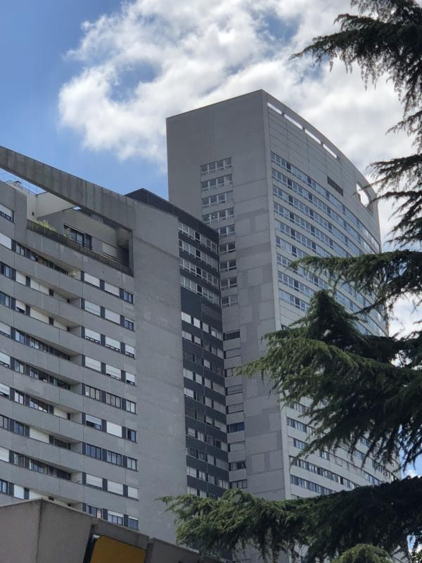 Sale apartment Courbevoie 472 500€ - Picture 1