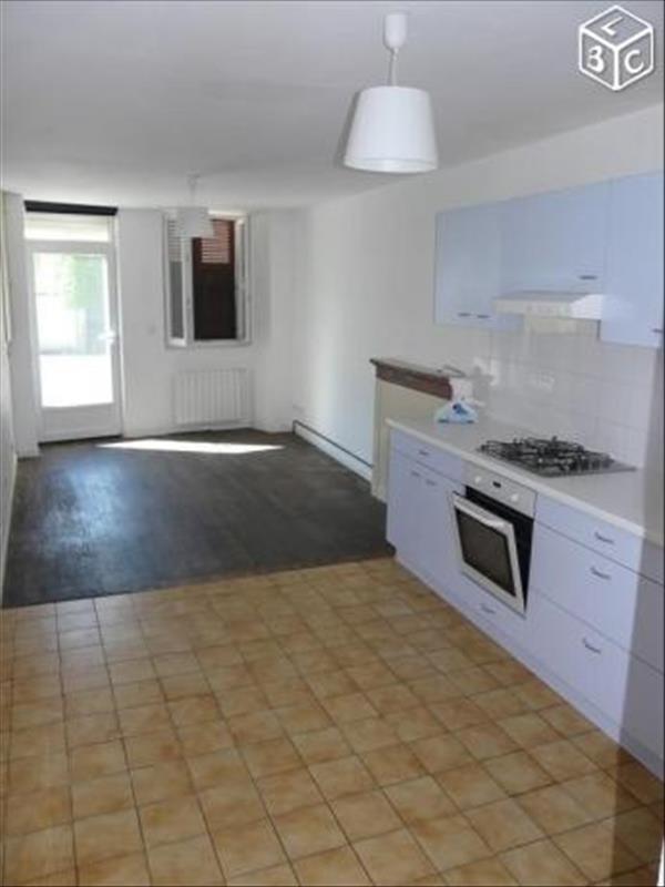 Sale house / villa Le pont de beauvoisin 79000€ - Picture 3