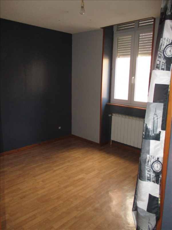 Vente maison / villa St symphorien de lay 139000€ - Photo 9