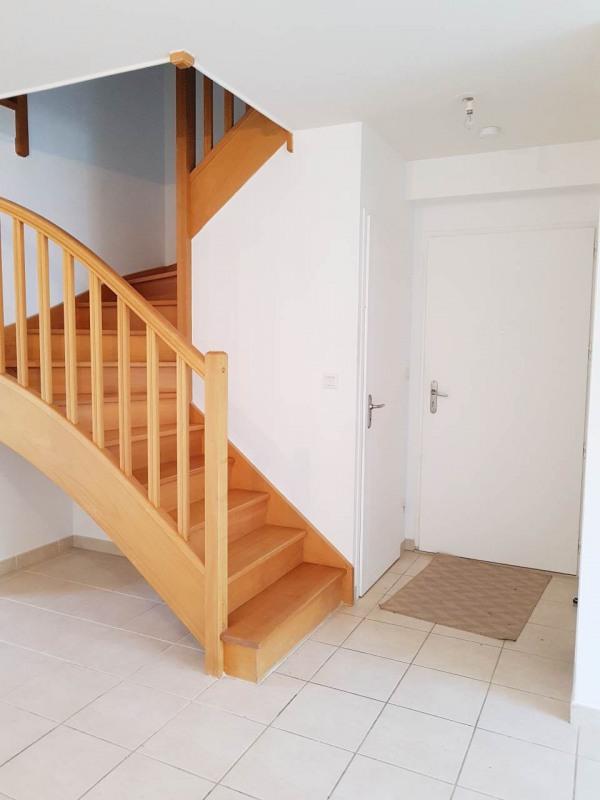 Rental house / villa Cranves-sales 1830€ CC - Picture 5