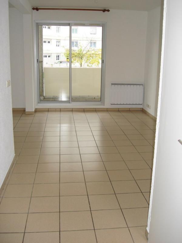 Location appartement Ferney voltaire 978€ CC - Photo 2