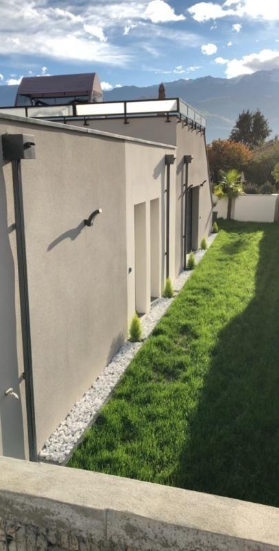 Deluxe sale house / villa Lumbin 420000€ - Picture 4