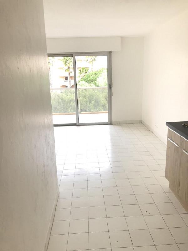 Rental apartment Fréjus 580€ CC - Picture 2