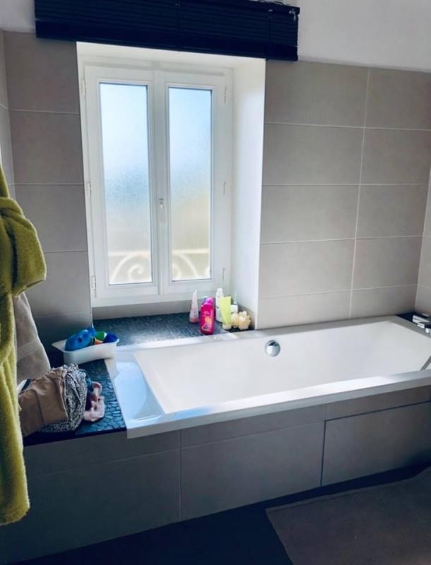 Sale house / villa Champdeniers st denis 179000€ - Picture 4