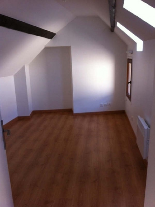 Rental apartment Vaureal 760€ CC - Picture 2