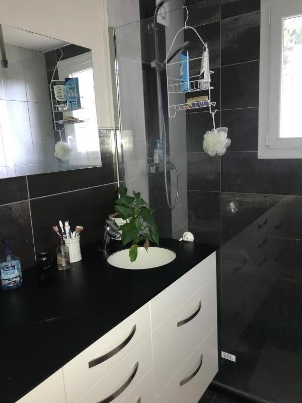 Sale house / villa La roche maurice 278415€ - Picture 8
