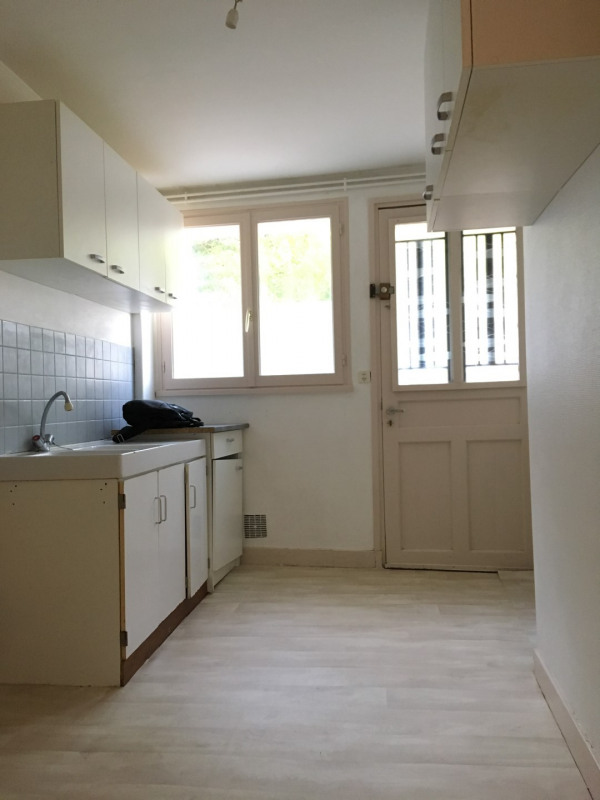 Rental apartment Pierrelaye 624€ CC - Picture 2