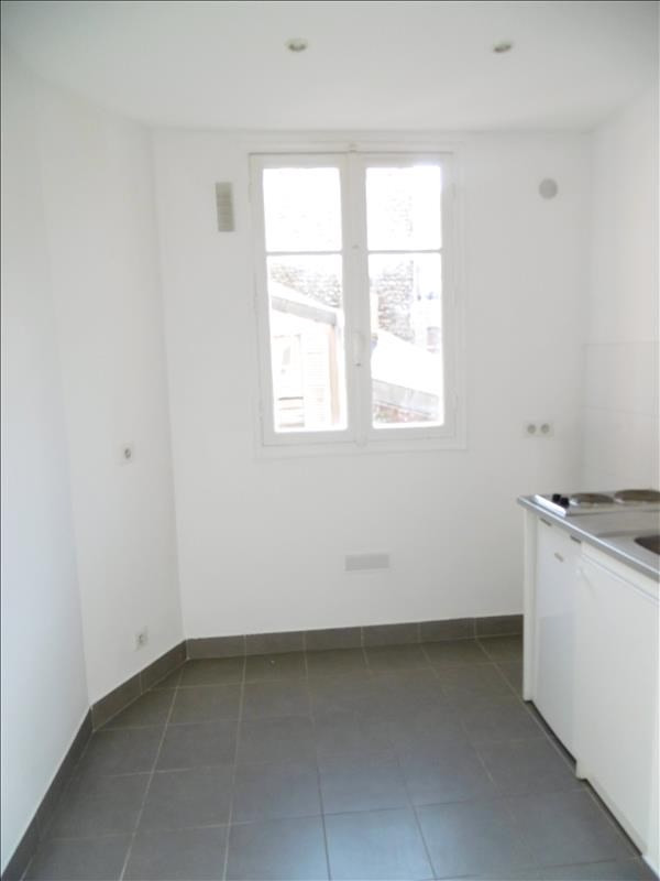 Location appartement Levallois perret 1 250€ CC - Photo 2