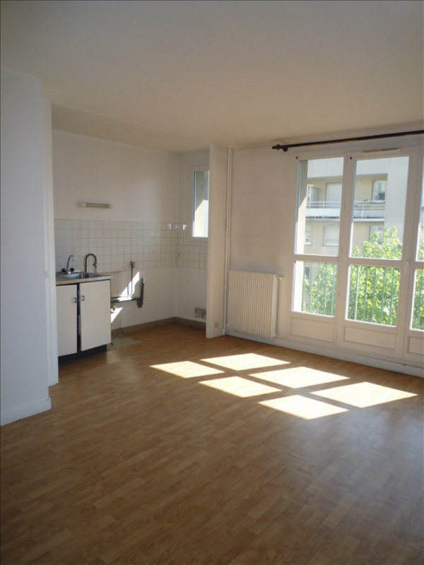 Rental apartment Bondy 610€ CC - Picture 2