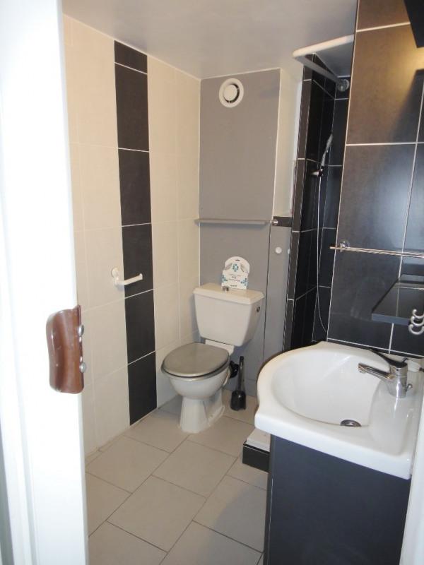 Location appartement Saint-mitre-les-remparts 470€ CC - Photo 5