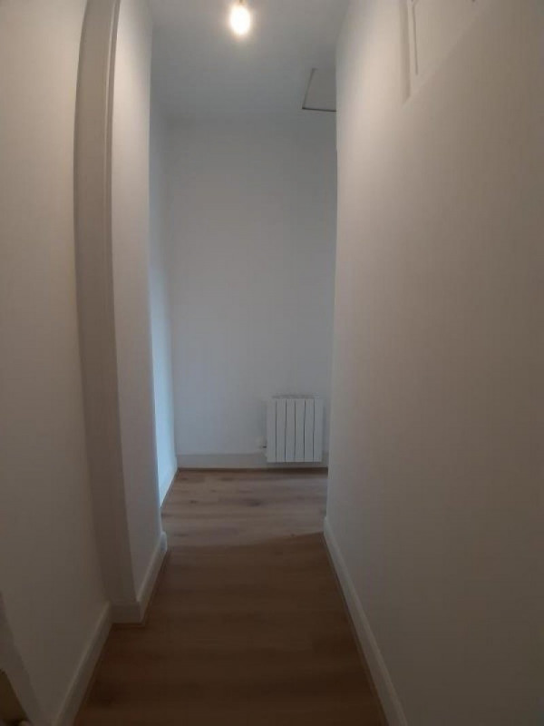Rental apartment Bourbon l archambault 350€ CC - Picture 4