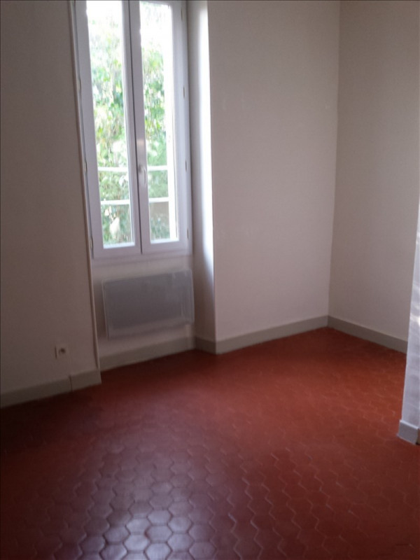 Location appartement Salon de provence 554€ CC - Photo 4