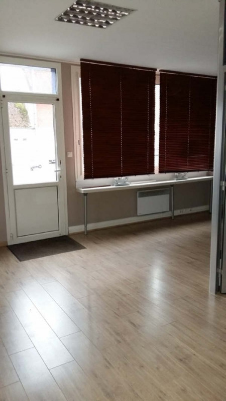 Rental shop Estrees saint denis 690€ HT/HC - Picture 4