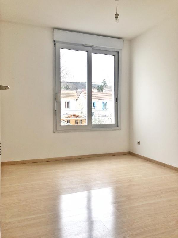 Rental apartment St leu la foret 1140€ CC - Picture 6