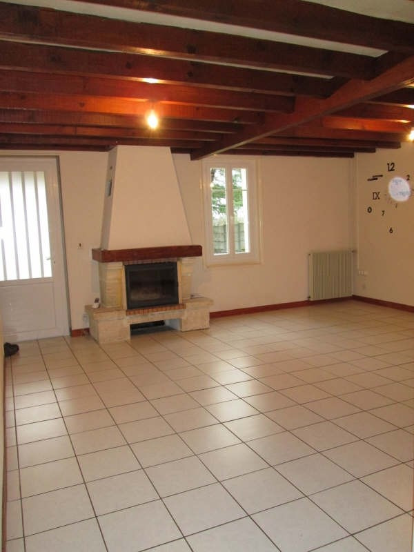 Location maison / villa La lande de fronsac 700€ CC - Photo 2