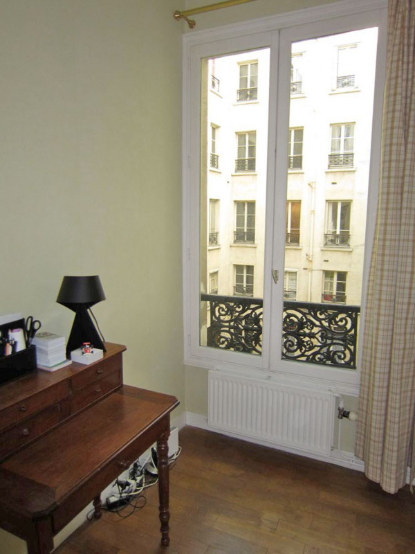Rental apartment Paris 9ème 1 850€ CC - Picture 16