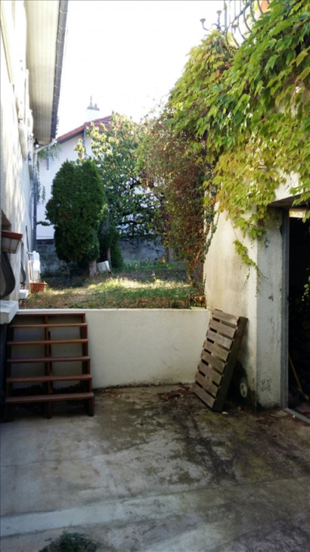 Sale empty room/storage Riorges 70 000€ - Picture 1