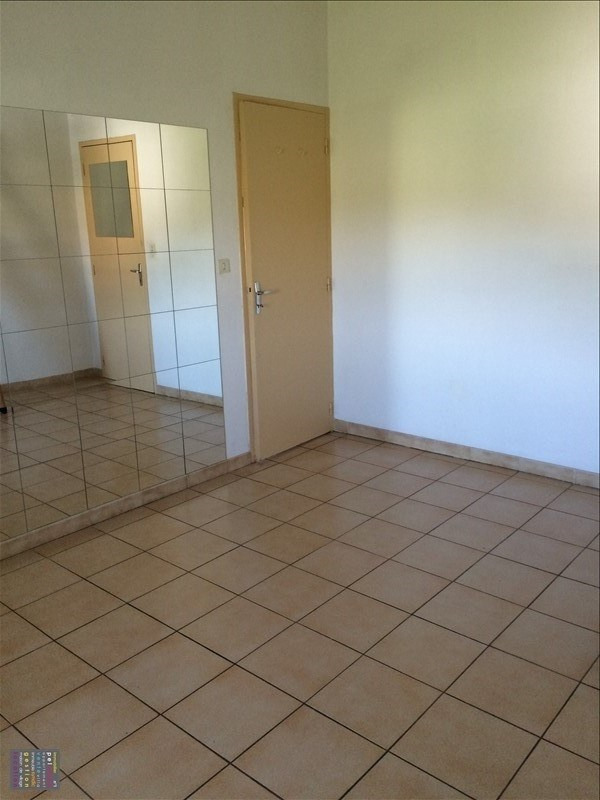 Rental apartment Eyguieres 465€ CC - Picture 3