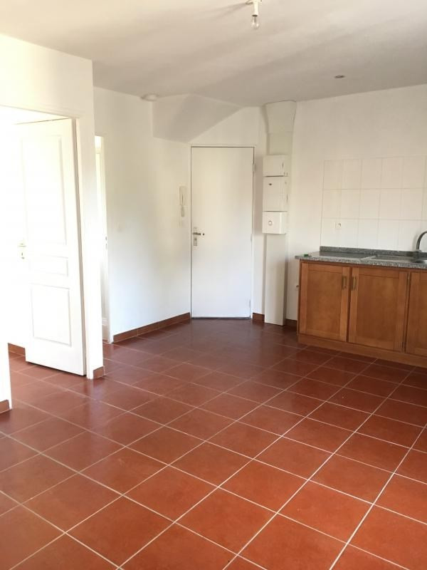 Location appartement Bonnelles 580€ CC - Photo 4