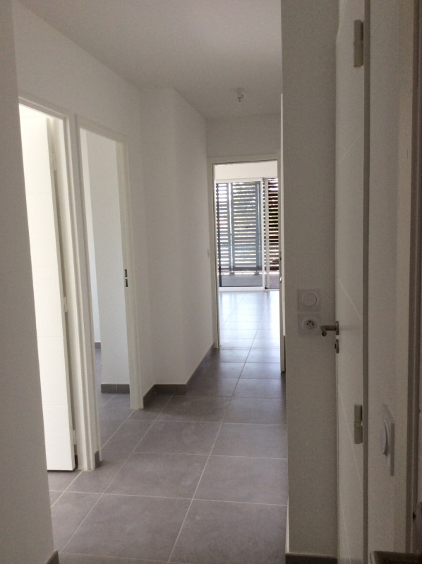 Location appartement Fréjus 1 130€ CC - Photo 4