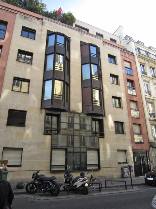 Rental apartment Paris 10ème 744€ CC - Picture 1