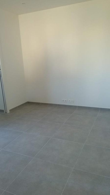 Rental apartment Chatou 970€ CC - Picture 2