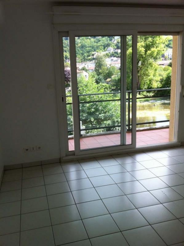 Rental apartment Villefranche de rouergue 540€ CC - Picture 2