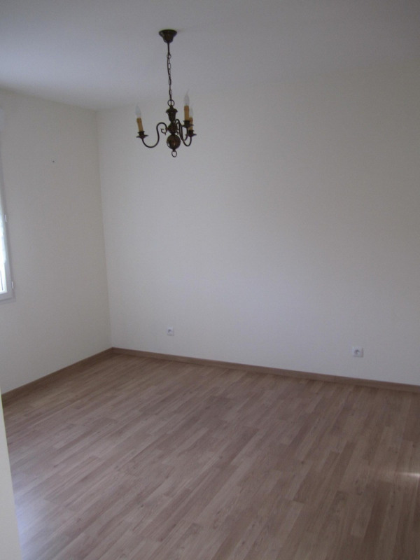 Rental house / villa Barret 640€ CC - Picture 8