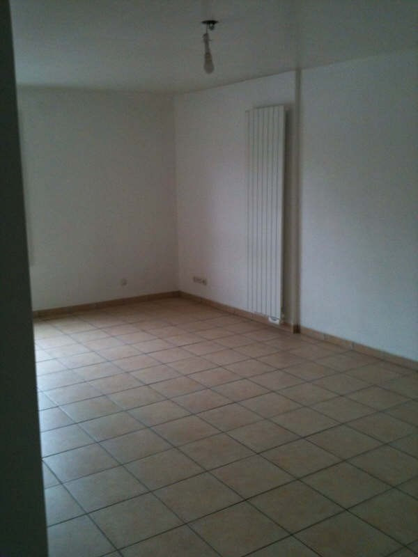 Rental apartment Osny 760€ CC - Picture 2