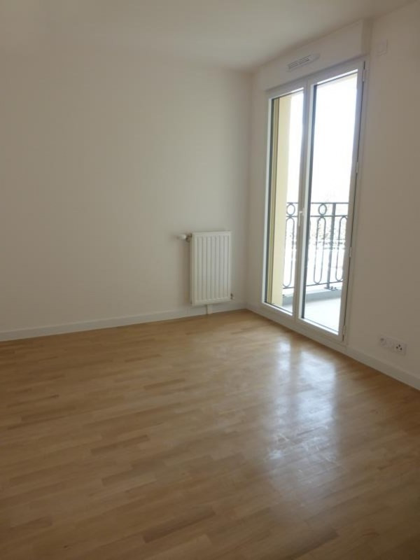Location appartement Le raincy 860€ CC - Photo 3