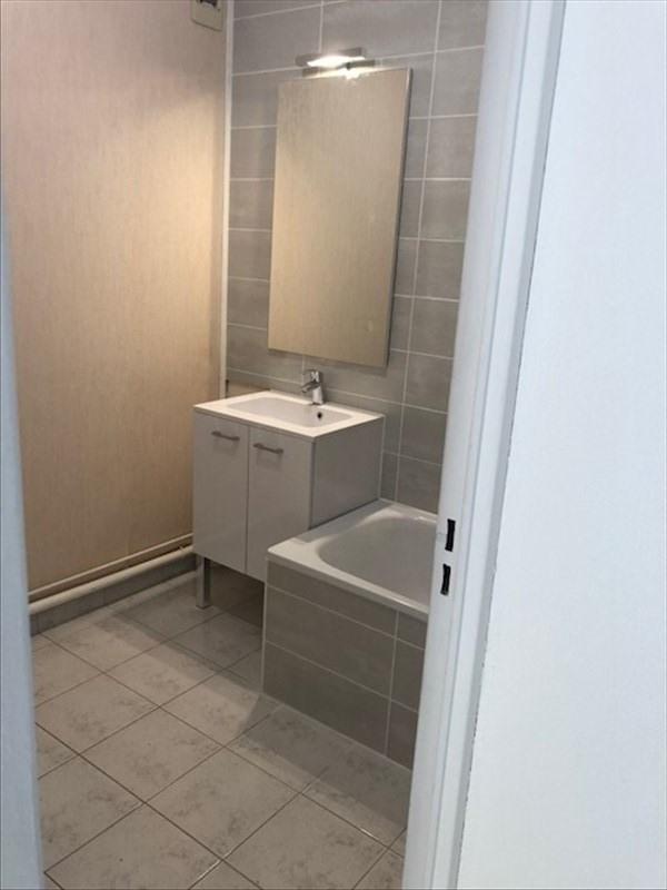 Location appartement Les essarts le roi 703€ CC - Photo 5